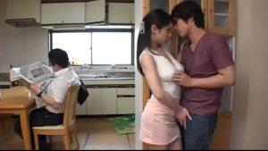 Madrasta japonesa deu banho em seu filho acabou transando varias vezes